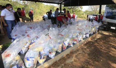 Entregan once mil kits de alimentos a estudiantes en Cordillera