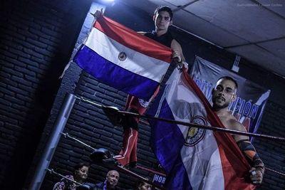 Con pasión y amor al deporte, jóvenes impulsan la lucha libre local