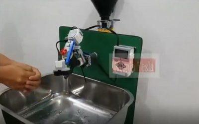 """Crean """"robot"""" para lavarse las manos sin tocar la canilla"""