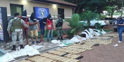 PJC: cuatro personas detenidas tras incautación de casi 400 kilos de marihuana