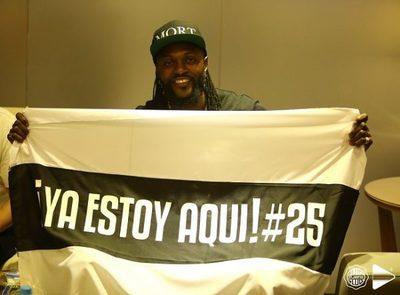 """Es """"difícil sostener el contrato"""" de Adebayor, reconoce Balotta"""