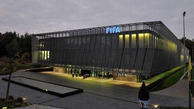 """FIFA quiere ser """"flexible"""" para poder acabar la temporada"""