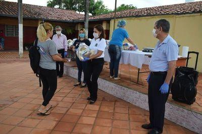 Distribuyen kits de alimentos en vez de almuerzo escolar