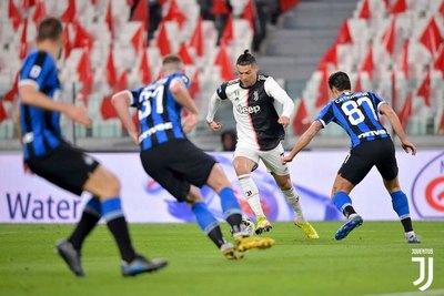 Volver a jugar o no, el gran dilema del fútbol italiano