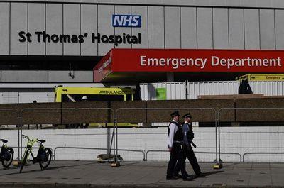 En cuidados intensivos, Boris Johnson no utiliza de momento respirador