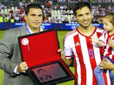 """Santa Cruz: """"Soñé siempre jugar en la Selección"""""""