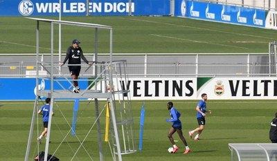 Estrellas de la Bundesliga se sienten raros por volver a entrenar