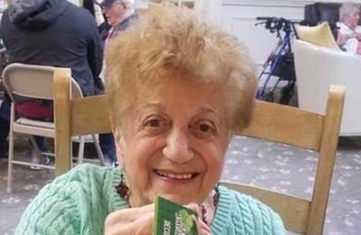 La mujer de 90 años que venció al COVID-19: 'En el hospital me dijeron que era un milagro'
