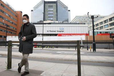 Reino Unido registra 938 muertos por COVID-19, nuevo récord diario