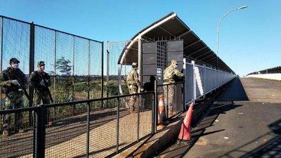 Covid-19: Puente de la Amistad ahora tiene portón