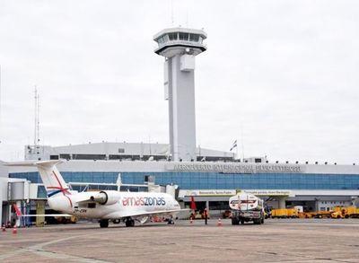 Prohibición de vuelos con pasajeros también se extiende