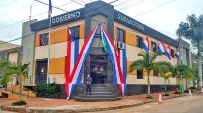 La forma más rápida de ayudar a las personas era mediante los Municipios y Gobernaciones, dice gobernador