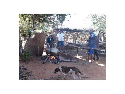 Preparan olla popular para cien familias pobres de Yasy Cañy