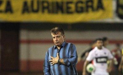 Éver Almeida debuta en el fútbol paraguayo