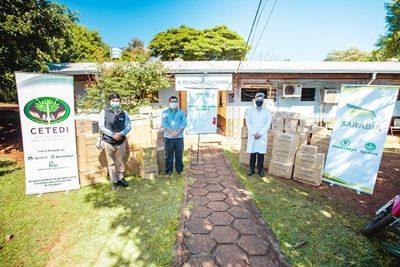 Empresa dona kits de seguridad para médicos