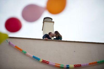 La voz de un neurofisiólogo: volverán besos y abrazos como antes del virus