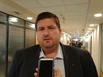 Senador propone uso de pulseras electrónicas para controlar que personas enfermas de Covid-19 no violen la cuarentena