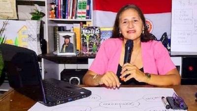 Maestra capiateña da clases por YouTube a sus alumnitos