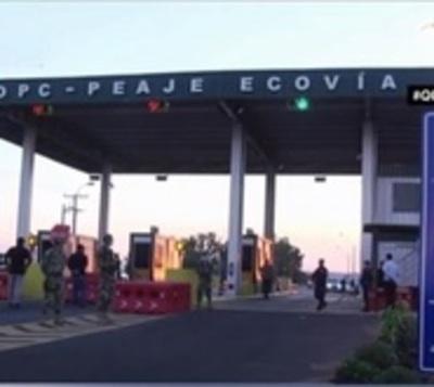Familia entera y 8 jóvenes detenidos tras incumplir cuarentena