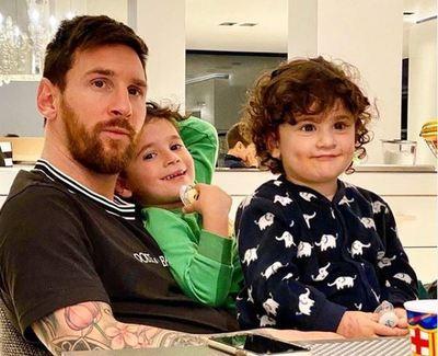 """Messi agradeció a los """"héroes anónimos"""" por dejar a sus familias para cuidar a la de otros"""