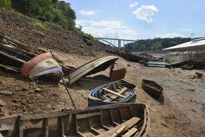 Río Paraná bajó más de 12 metros en la zona del Puente de la Amistad