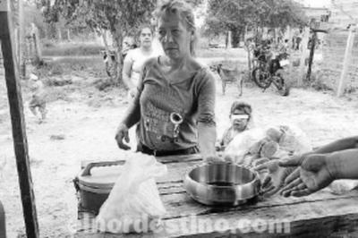 Familias de Concepción coordinaron y cocinaron ollas populares para blindar a sus habitantes de la amenaza del hambre