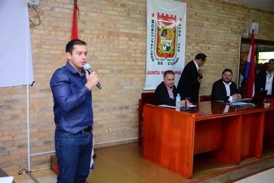 """Intendente de CDE tilda de """"BANDIDOS"""" a concejales que le exigen cumplir con las normas legales"""