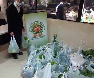 Hortigranjeros donan productos para ollas populares