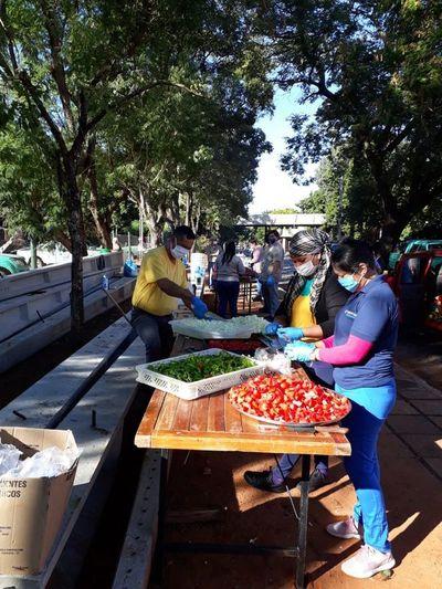 Olla popular itinerante da de comer a 400 personas