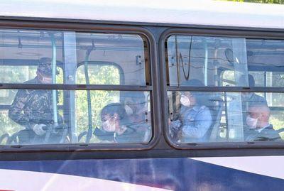 Bajan e instan a compra de tapabocas a pasajeros sobre Mcal. López