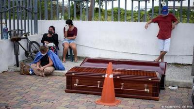 Ecuador confirma un desfase de unos 5.700 muertos en la provincia del Guayas