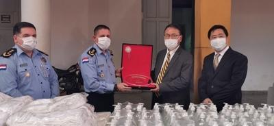 JICA y Cámara de Comercio entregan importante lote de insumos sanitarios a la Policía Nacional
