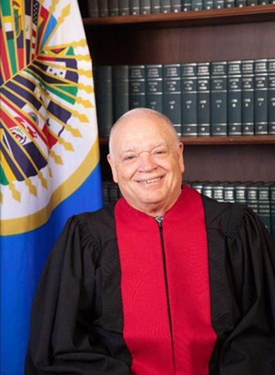 Las restricciones a la libertad deben ser temporales, sostiene juez de la Corte IDH