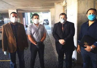 Ejecutivo pide  que se rechace amparo presentado por un grupo de abogados