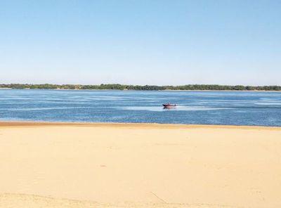 Río Paraná: 22 cm en puerto de Ayolas
