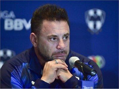 Antonio Mohamed acepta que por su mala conducta no triunfó en Europa
