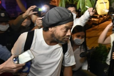 Ronaldinho hizo un pedido especial para divertirse en el hotel