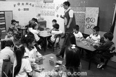 Clases continuarán a distancia y Ministerio de Educación impulsa soluciones a necesidades del sector privado