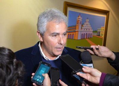 """Zavala rechaza elevar impuestos bajo postura de que """"crisis golpea a todos"""""""