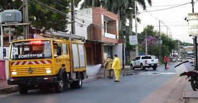 Desinfectan zona del hospital de Calle'i