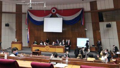 Diputados aprueban desafuero de Medina y Ortiz
