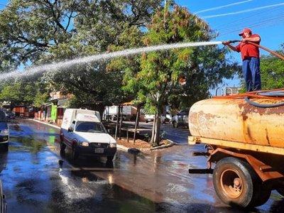 CDE desinfecta calles,   comercios, avenidas y los estacionamientos