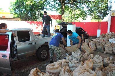 Distribuyeron más de 30.000 kg de productos agrícolas