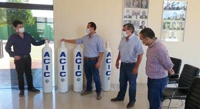 Comerciantes donan equipos médicos al Hospital Regional de Concepción