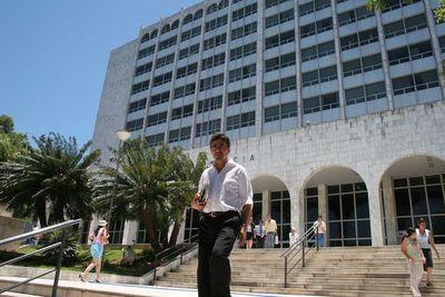 Se pospuso juicio oral de ex ministro de la Niñez