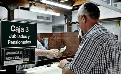 HOY / IPS: Continúa entrega de tarjetas de débitos a jubilados por ventanilla