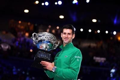 Roddick duda de la negativa de Djokovic sobre la vacunación