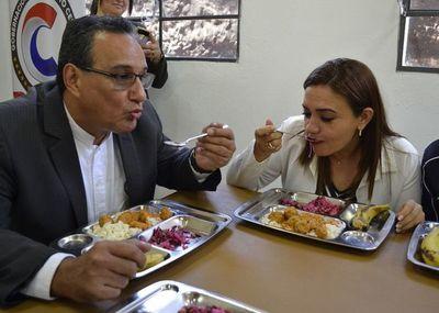 Piden que gobernación distribuya alimentos