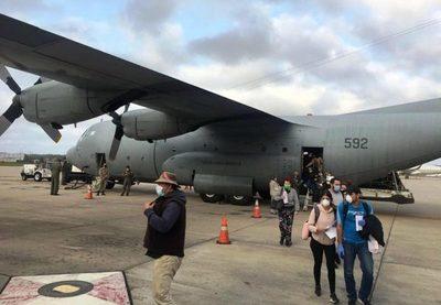 Operativo humanitario permite retorno de 5 paraguayos desde Venezuela y Uruguay