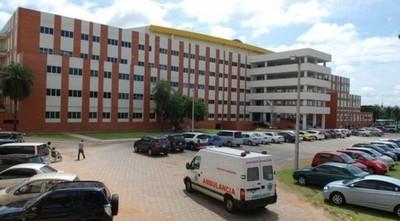 Personal de blanco del Clínicas denuncia precariedades, contagios y maltrato por parte de los jefes del centro asistencial